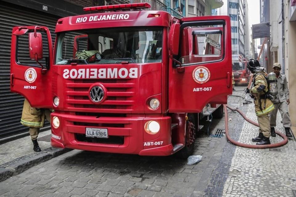 Сильный пожар вспыхнул в одной из больниц Рио-де-Жанейро