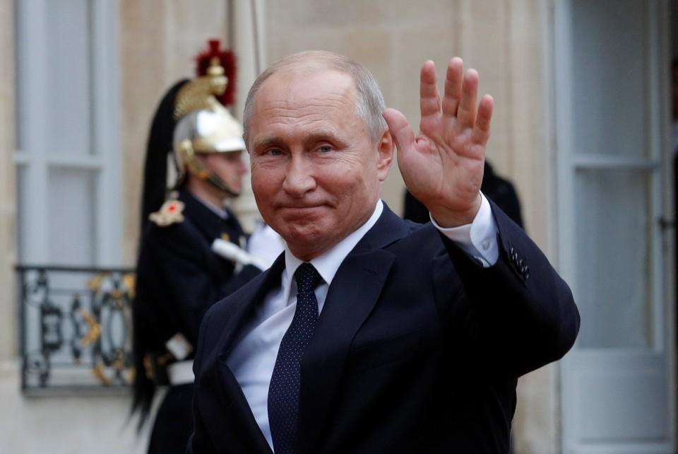 Путин поручил правительству проанализировать фискальную нагрузку на граждан.