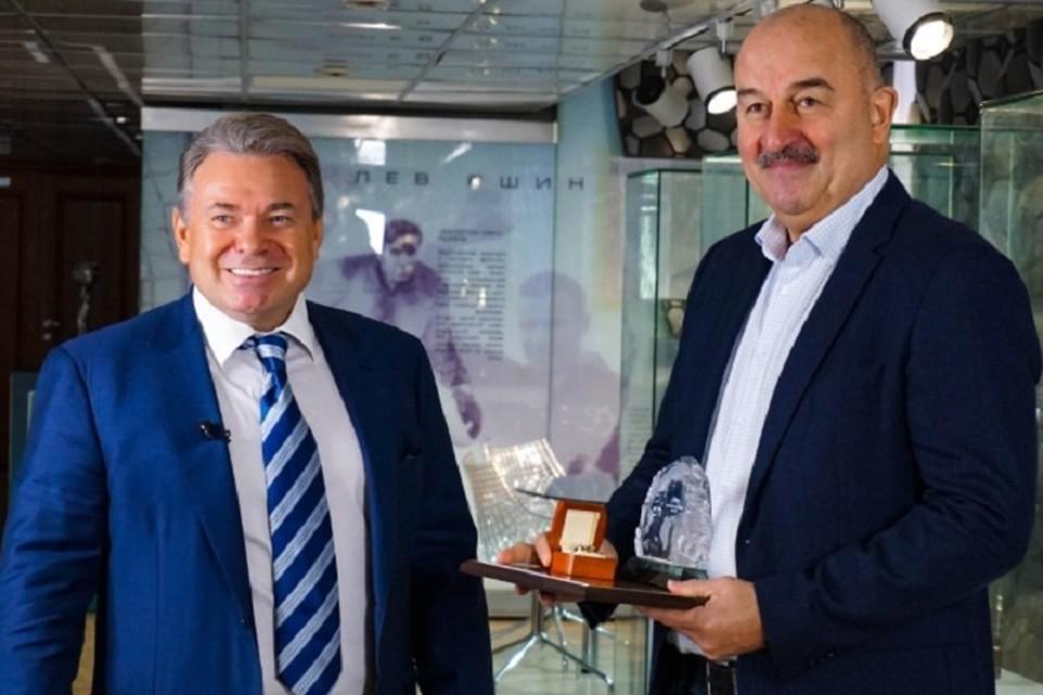 Черчесову досрочно вручили международную премию Arctic Awards за вклад в развитие футбола Пресс-служба премии Arctic Awards/