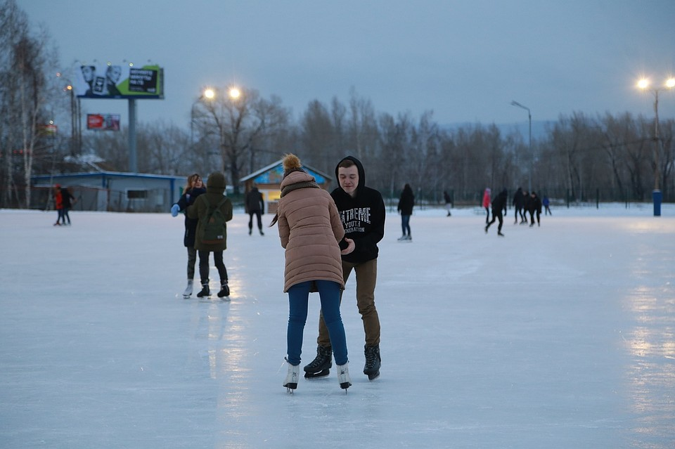 Самый большой каток Красноярска откроется в эту пятницу на Татышеве 975ccecfd6af3