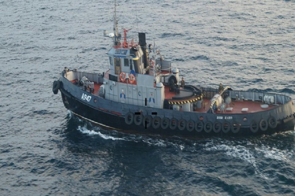 Украинские корабли незаконно пересекли границу РФ. Фото: Погрануправление ФСБ России по Крыму