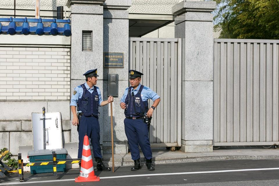 Полиция Японии нашла в жилом доме 6 трупов