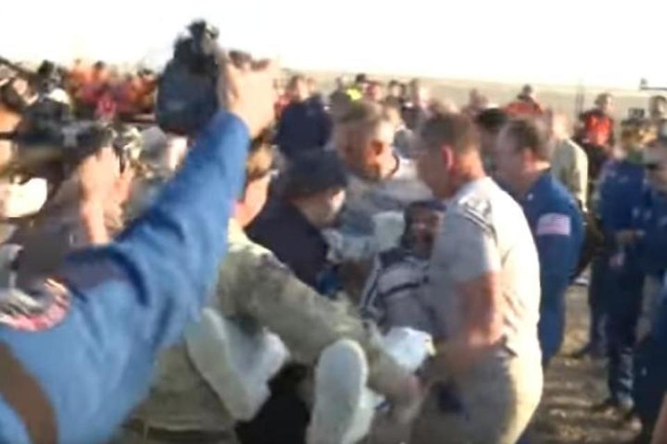 «Союз» с тремя членами экипажа МКС совершил посадку в Казахстане