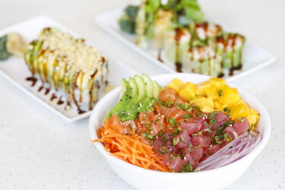 Японцы предпочитают легкие обеды, основу которых составляет рис.