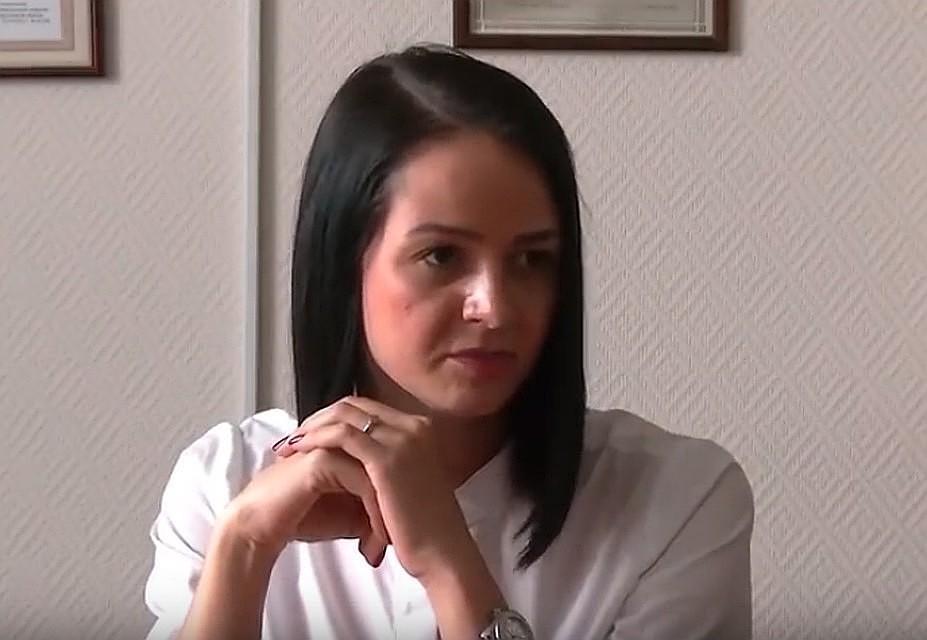 Чиновнице мало зарплаты, квартиру она тоже решила оплатить за счет бюджета. Фото: скрин с видео
