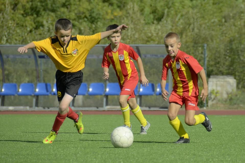 Родители юных российских футболистов отдали мошенникам миллиард рублей