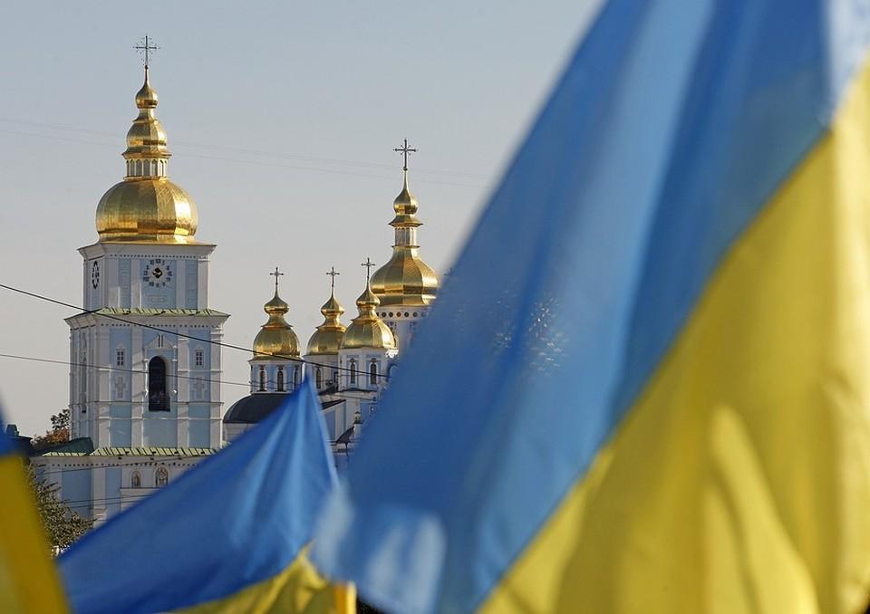 Порошенко хочет передать Константинополю украинские храмы