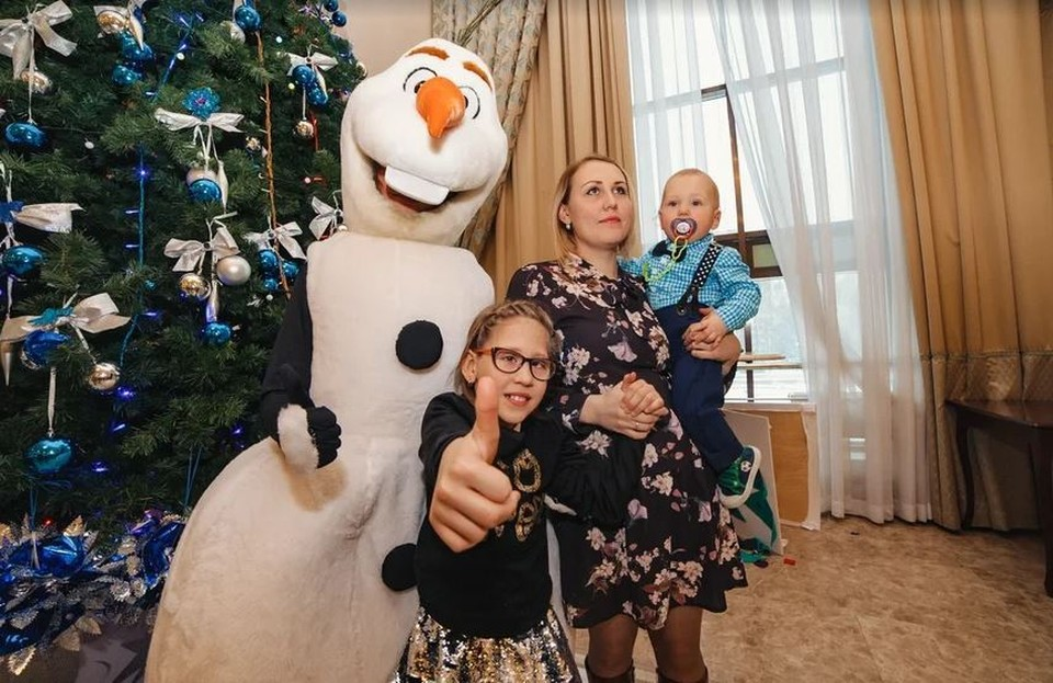 «Кроме нас их никто не позовет на праздник»: Каждый год в Ижевске проходят новогодние утренники для особенных детей