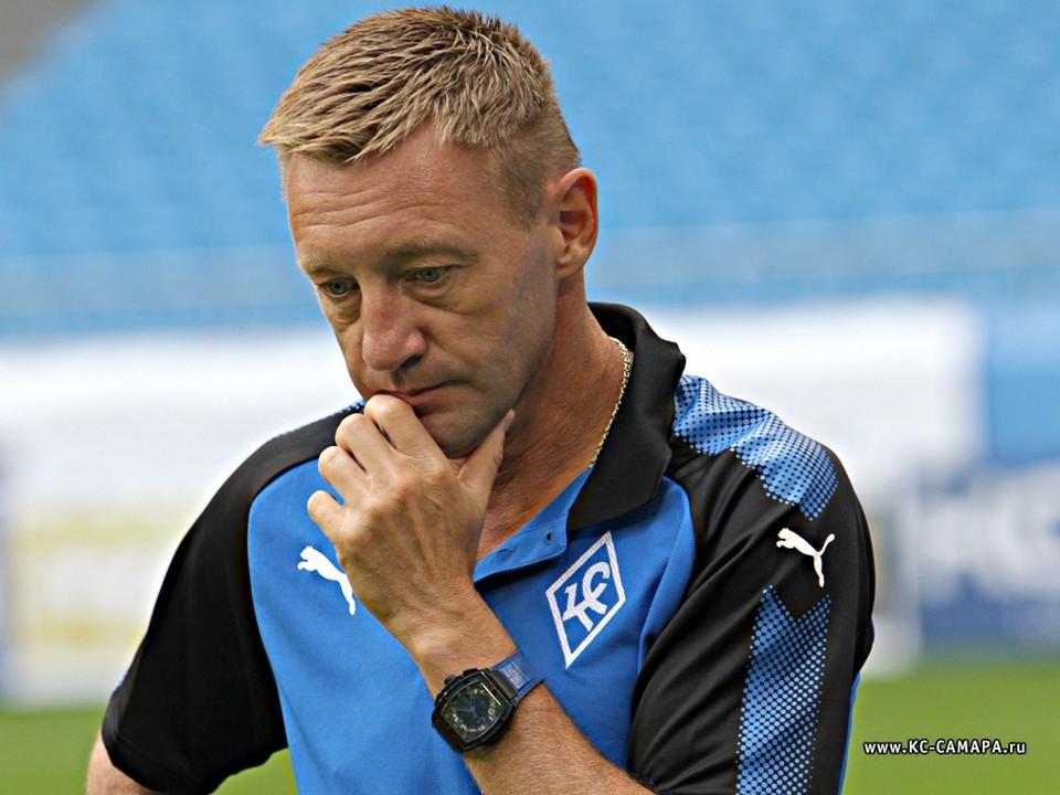 Андрей Тихонов работал главным тренером «КС» в 2017 и 2018 годах. Он вернул команду в РПЛ