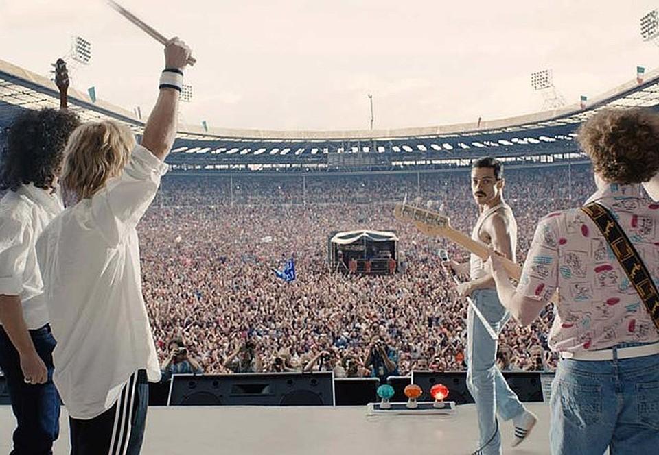Концерт Queen на стадионе. Фото: кадр из фильма