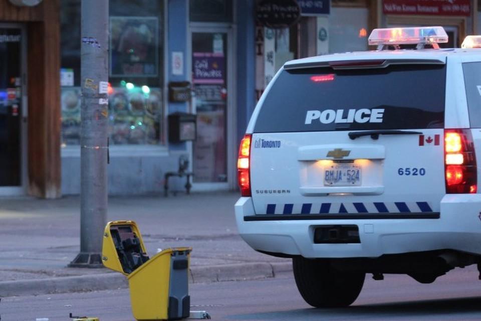 По предварительной информации полиции, стрелок был не один
