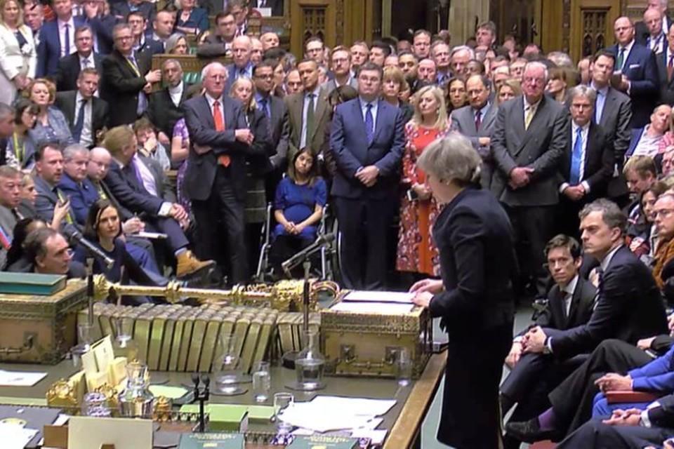 Премьер-министр Великобритании Тереза Мэй выступает в парламенте после голосования