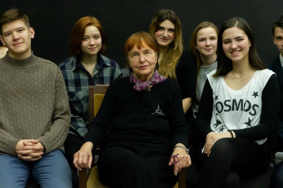 За полвека с лишним Дженни Николаевна успела разработать и прочесть студентам с десяток уникальных курсов.