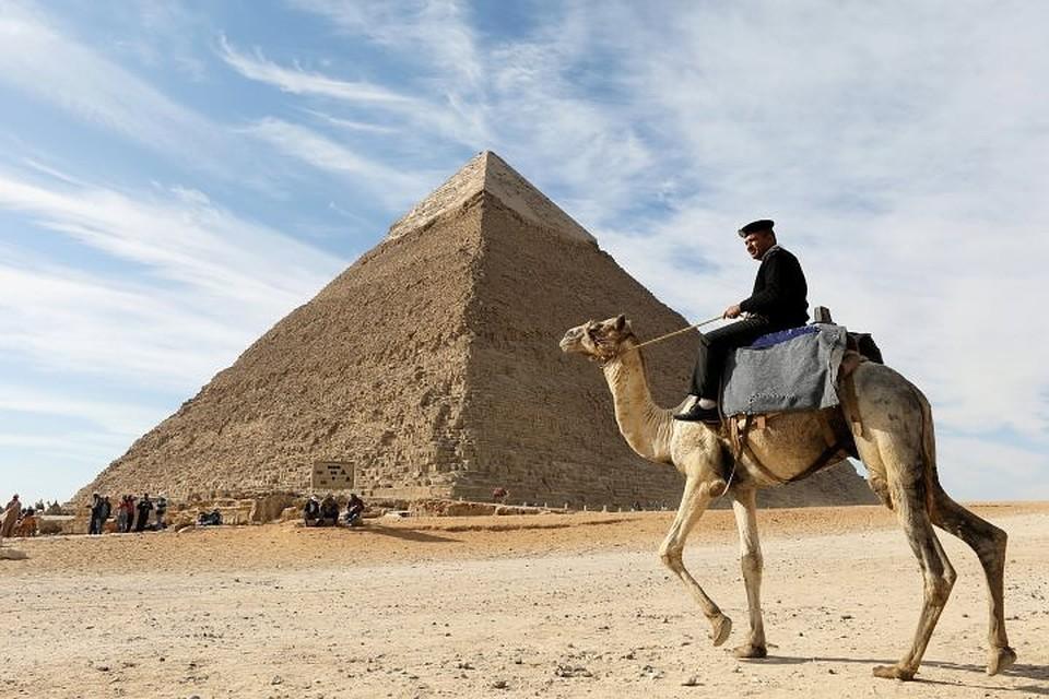 Археологи нашли древнее захоронение в египетских пирамидах