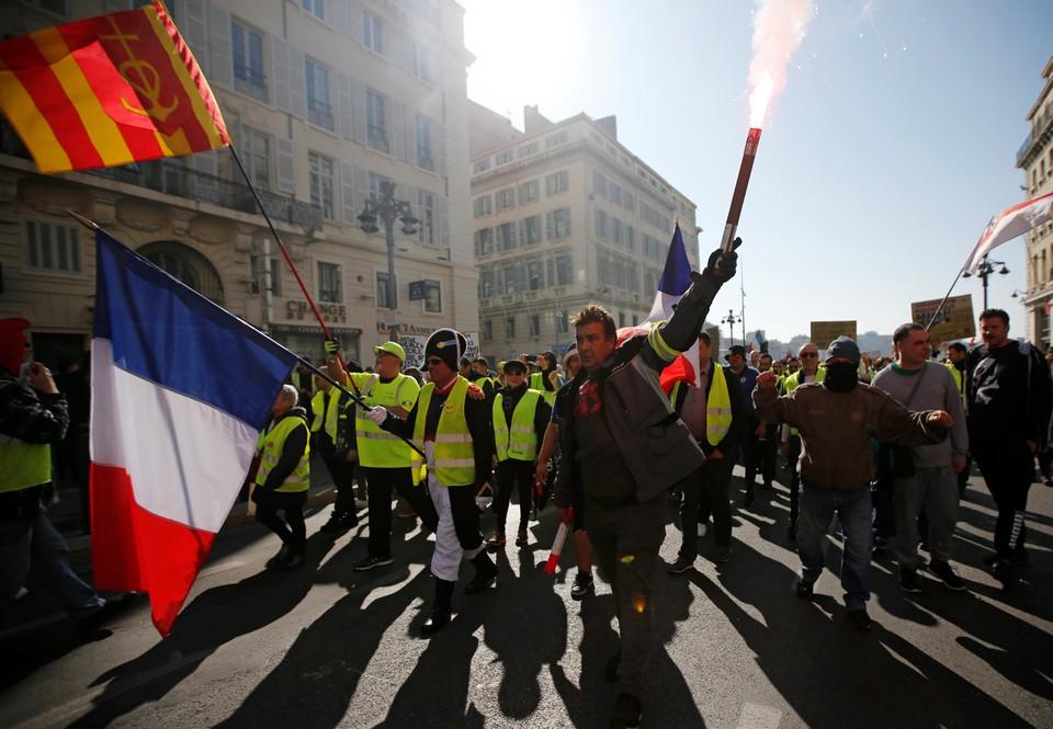 В крупных городах Франции проходят протестные акции