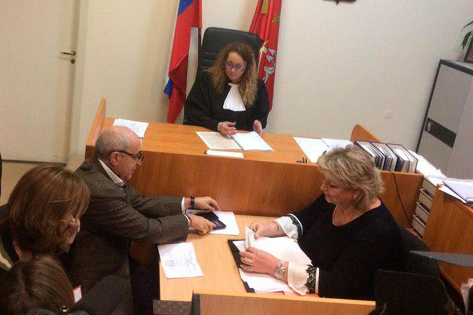 В Петербурге начался процесс развода Андрея Аршавина и Алисы Казьминой. Сами ответчики в суде не появились.