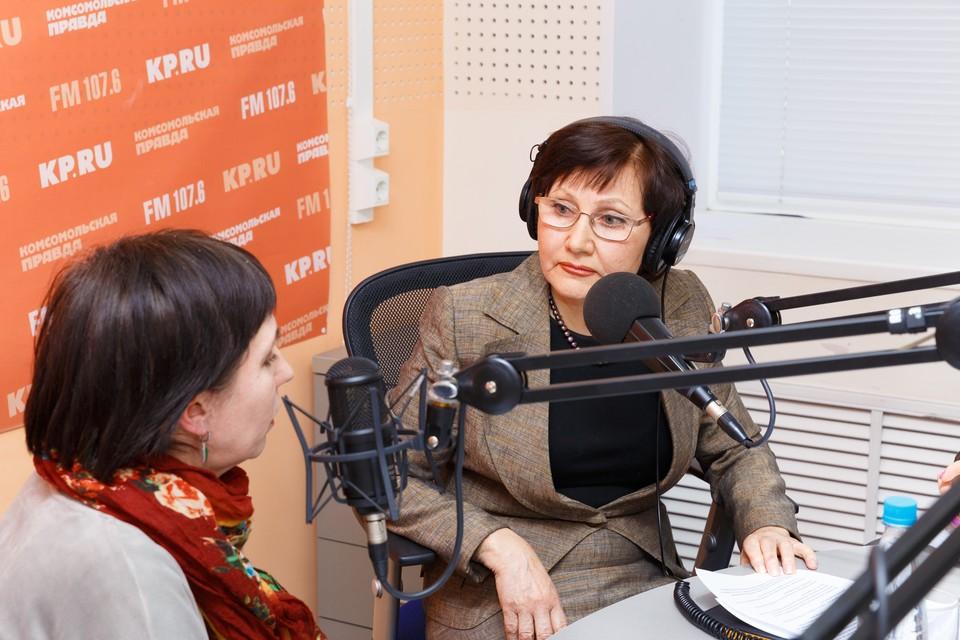"""Автор программы """"Моя дача"""" Вера Орлова (справа) с гостьей программы Ириной Городиловой"""