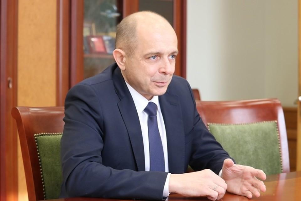 Сергей Сокол поздравил прекрасных жительниц региона с 8 Марта.