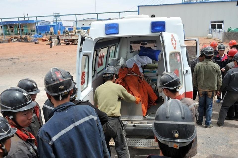 В Китае два человека погибли в результате оползня