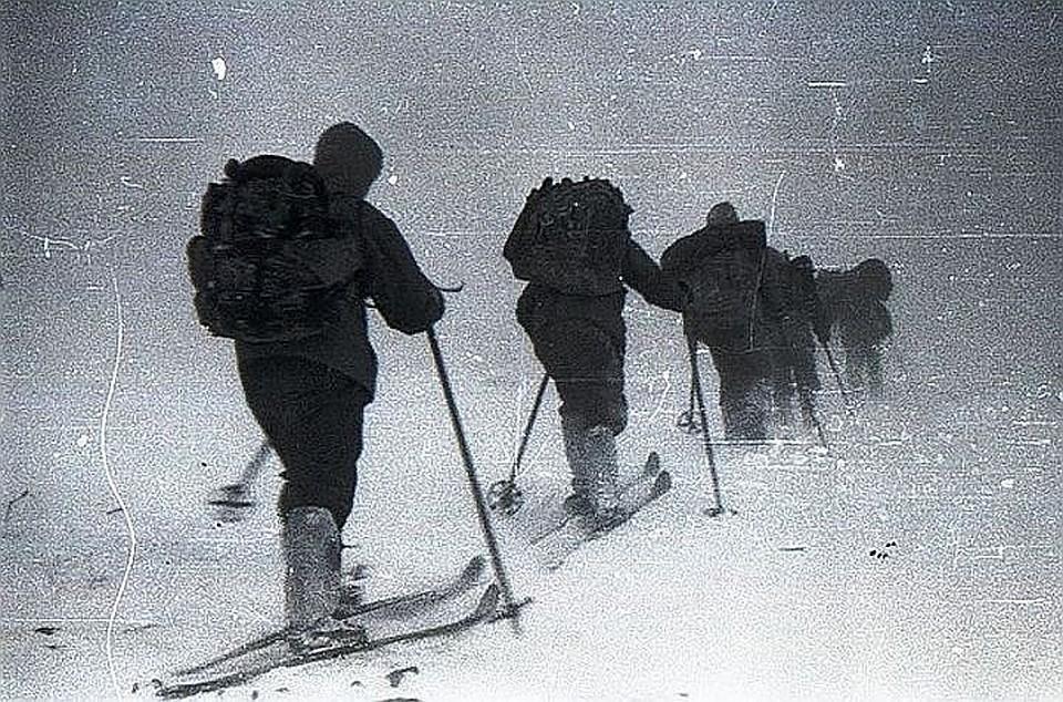 """Экспедиция """"КП"""" добралась в горы Северного Урала, где 60 лет назад погибла туристическая группа Дятлова. На фото - один из кадров из того похода."""