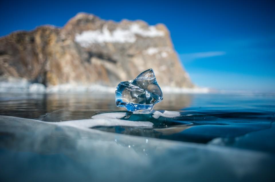 Главное богатство Байкала - его чистейшая вода.