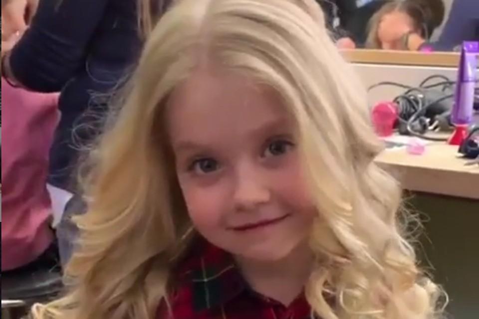 5-летняя Лиза Галкина с каждым днём все больше напоминает свою маму Аллу Пугачеву
