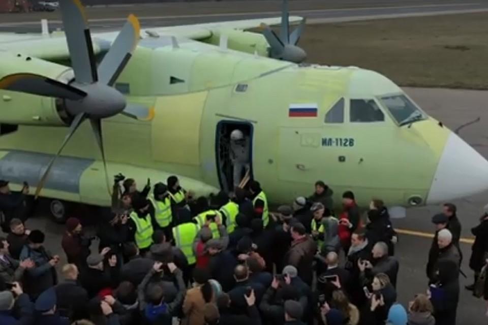 Опубликовано видео первого полета нового транспортного самолета Ил-112В