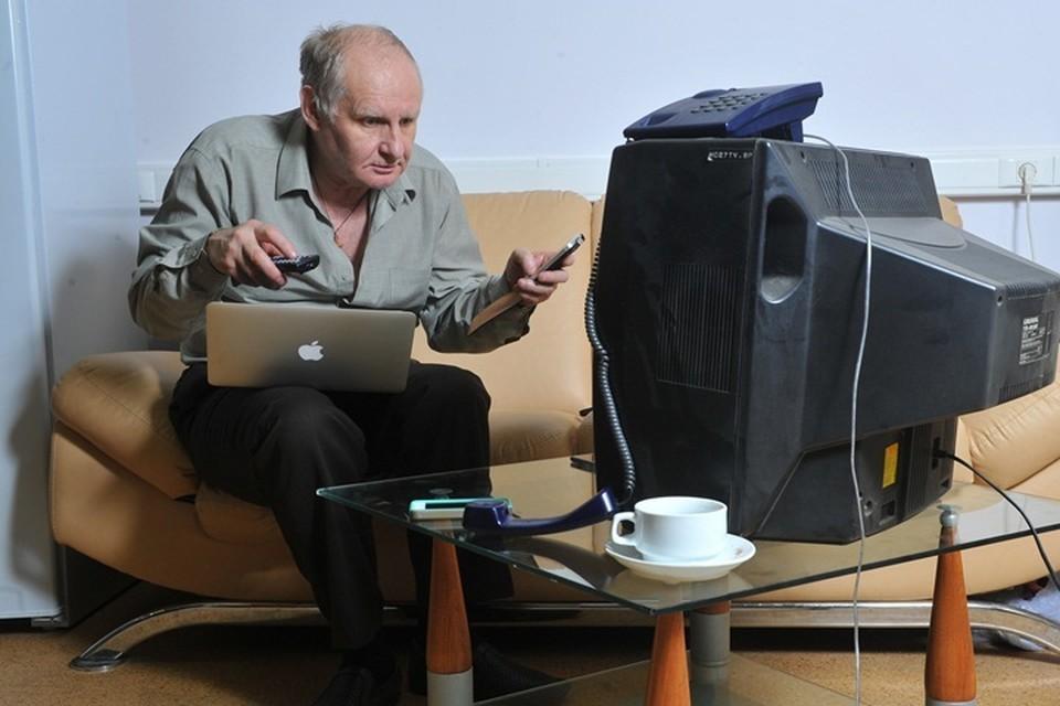 """Уже летом в Мурманской области отключат обычное ТВ. В преддверии полного перехода на цифровое ТВ, действует """"горячая линия""""."""