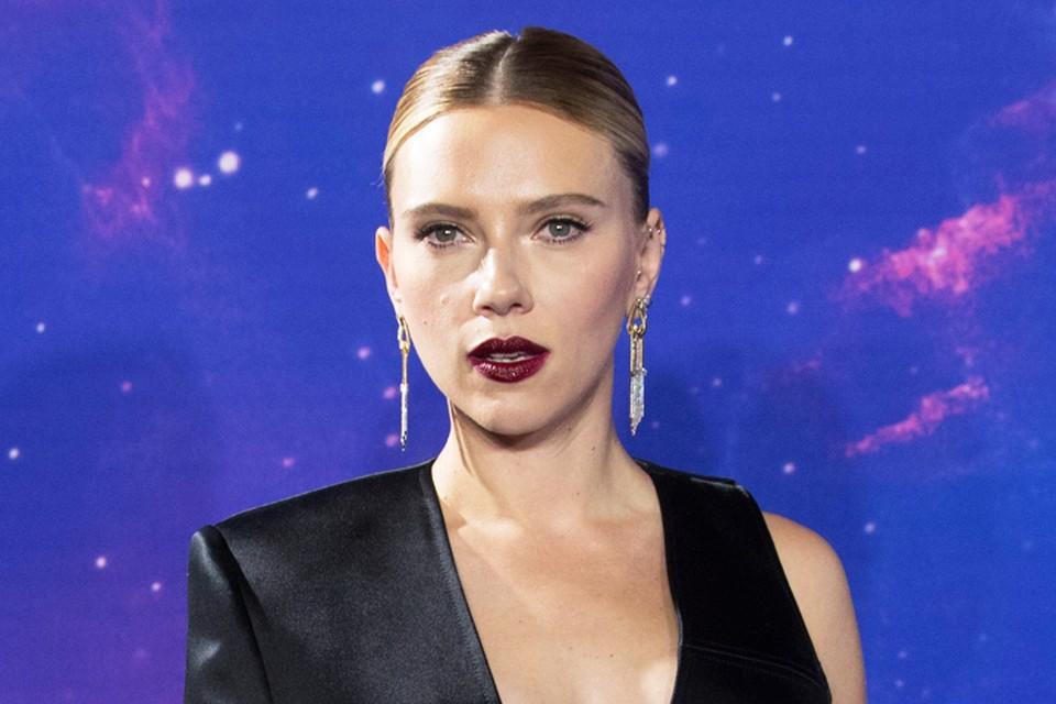 Скарлетт Йоханссон приехала в Лондон на премьеру одного из самых ожидаемых блокбастеров года «Мстители: Финал».