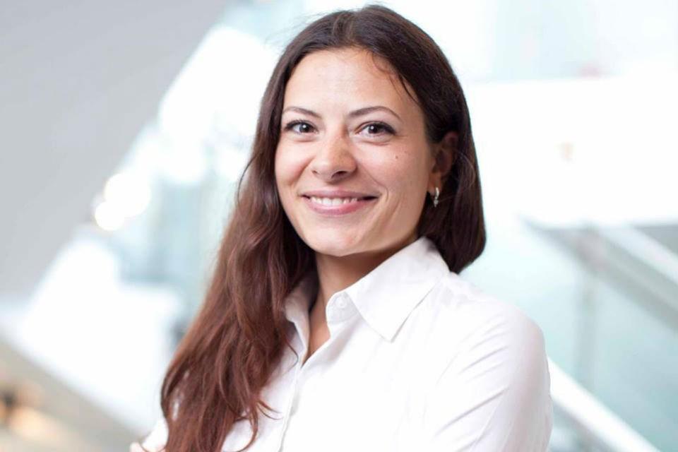 Мария Дерунова закончила Московский гуманитарно-экономический институт по специальности «Журналистика»