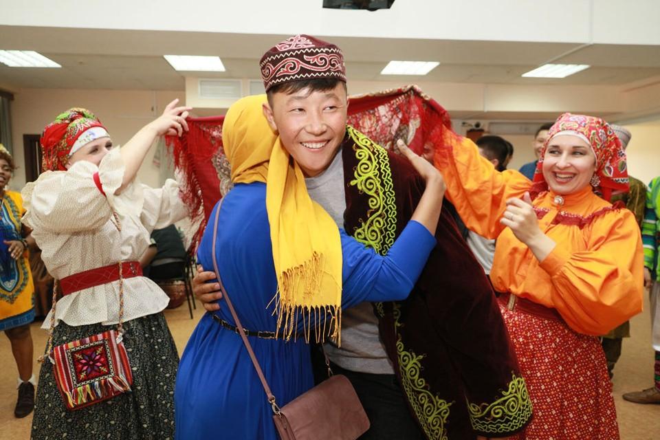 В рамках фестиваля прошла конференция, в которой приняли участие представители вузов из Монголии и Китая.