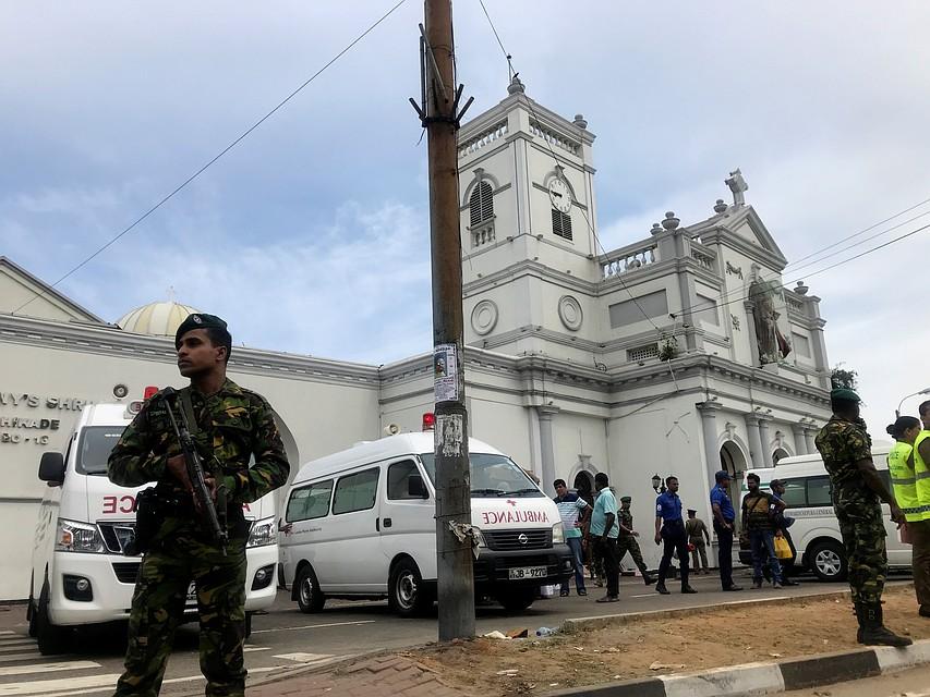 На территории Шри Ланки прогремели шесть взрывов