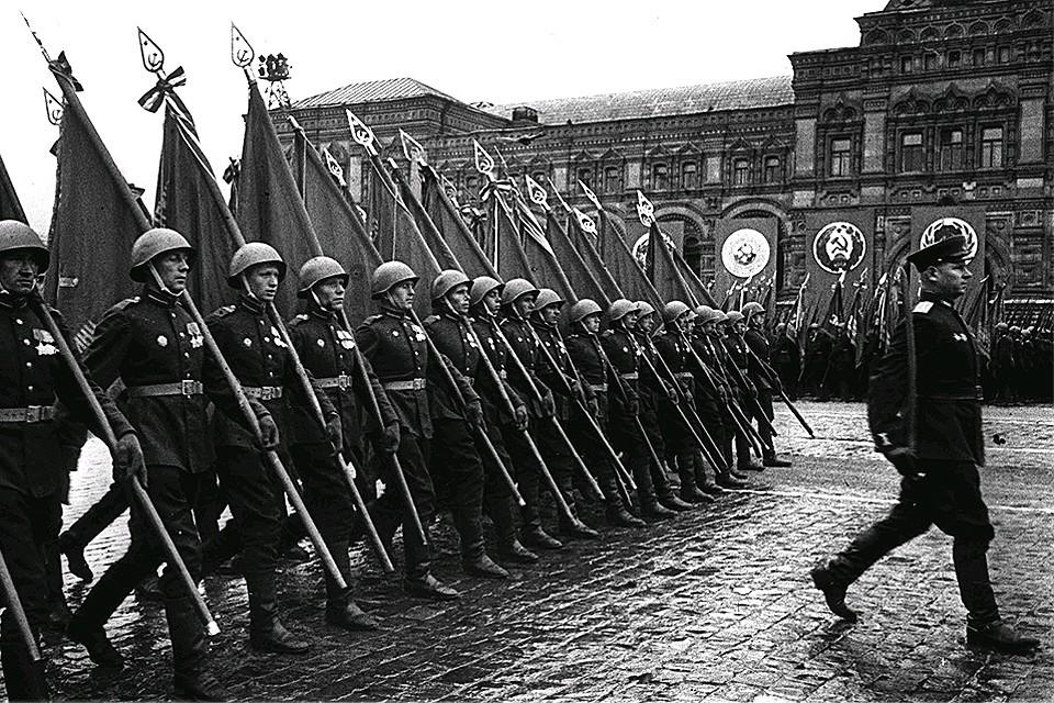 Парад Победы в Москве, 9 мая 1945 года.
