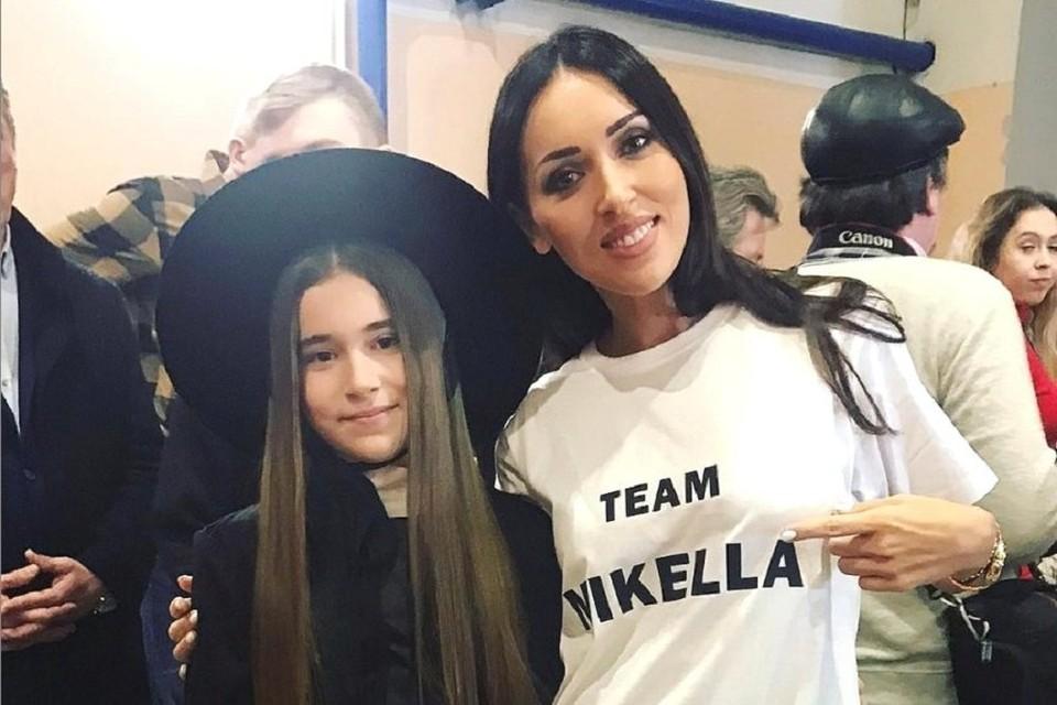 Алсу с дочкой Микеллой.