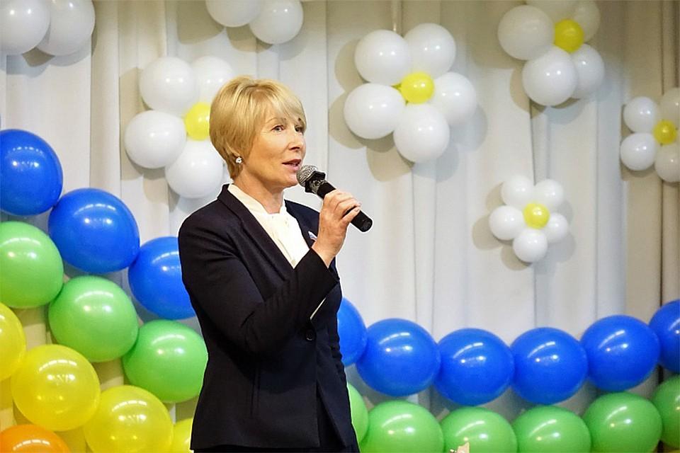 298e370a1f4 В Кирове более двух тысяч выпускников 11 классов отпраздновали последний  звонок