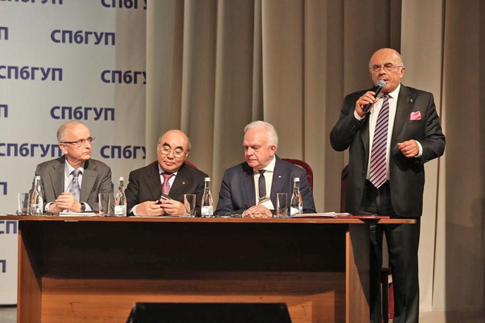 Участники чтений – представители интеллектуальной и политической элиты из 25 стран мира. Фото предоставлено пресс-службой СПбГУП.