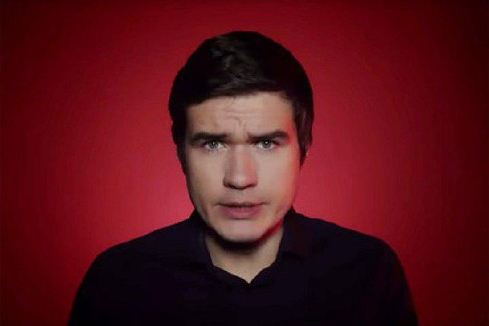 Евгений Баженов известен на YouTube как BadComedian.