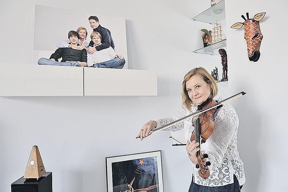 У Елены Вавиловой много талантов, в том числе - музыкальный.