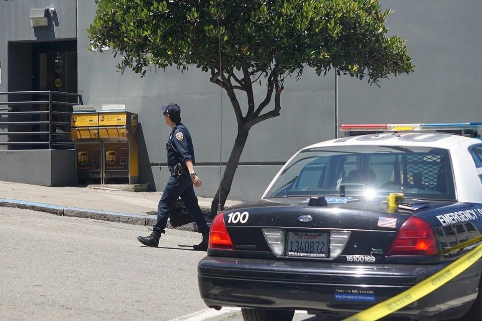 Полицейский из США задержан за попытку контакта с несовершеннолетней