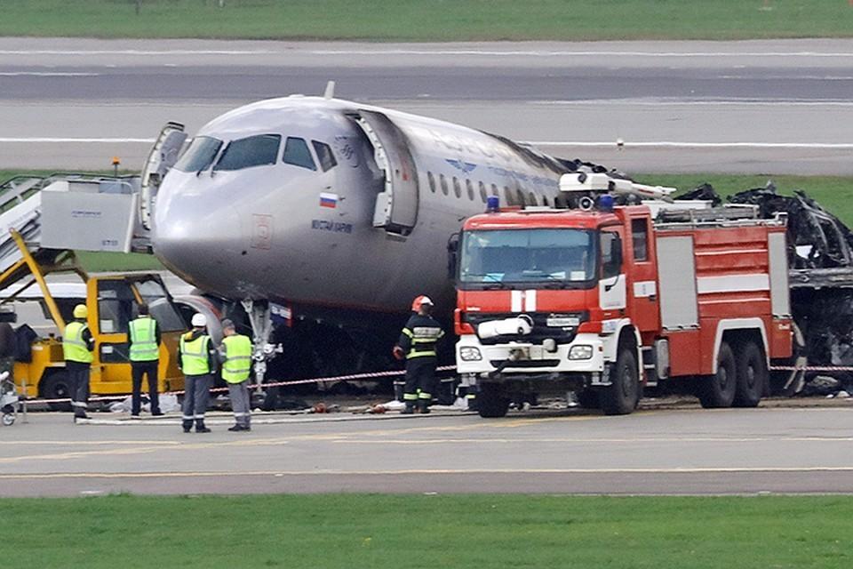 Предварительный отчет МАК о катастрофе с самолетом Сухой Суперджет 100: Пилоты после жесткой посадки пытались уйти на второй круг