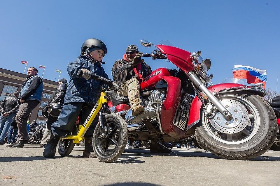 В Челябинске много поклонников мотоциклов.
