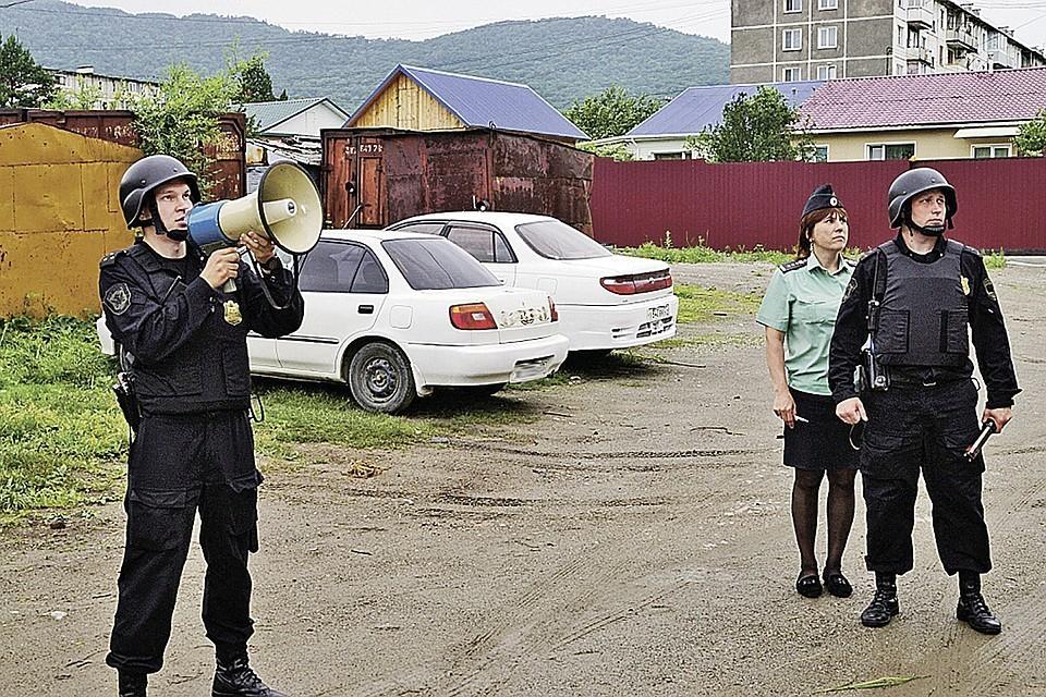 Служба судебных приставов довольно непроста. Фото: Управление ФССП России по Хабаровскому краю