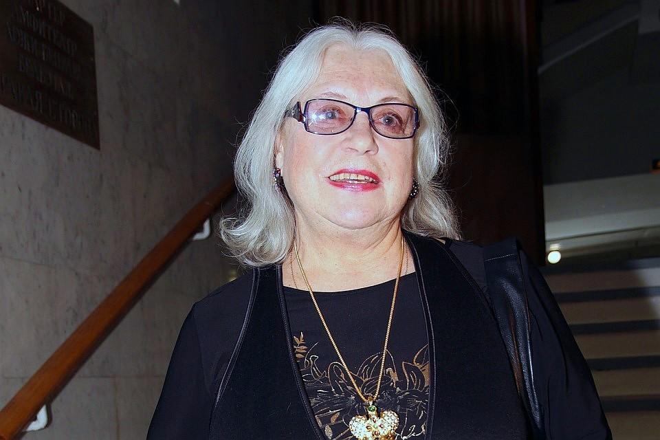 Все эти три недели 80-летняя актриса страдала повышенным давлением