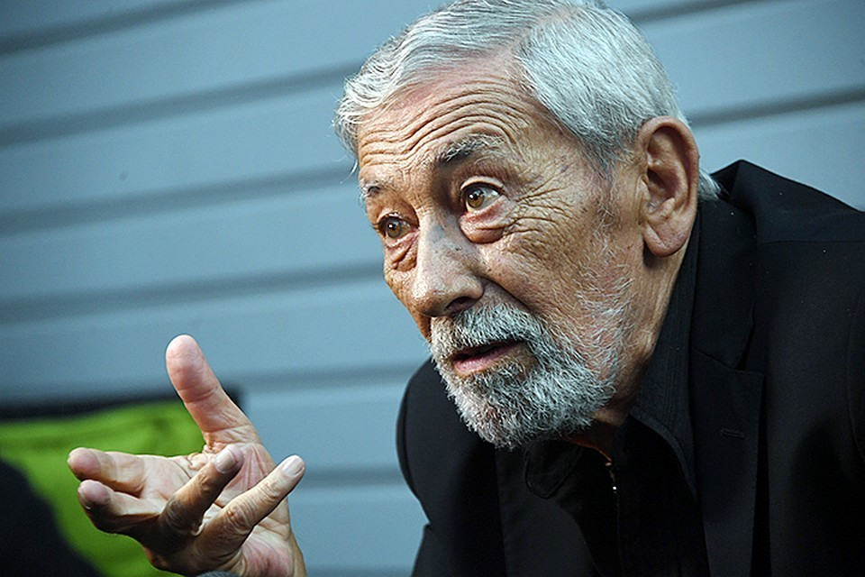 Вахтанг Кикабидзе.