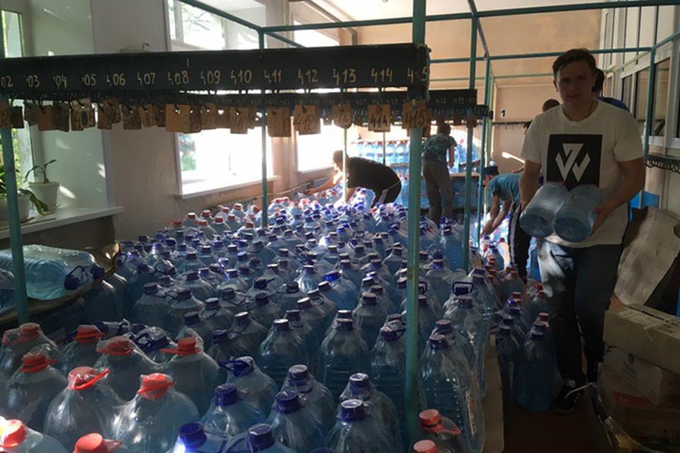 Ликвидация последствий наводнения в Иркутской области: пострадавшим помогают волонтеры и ученики кадетских школ