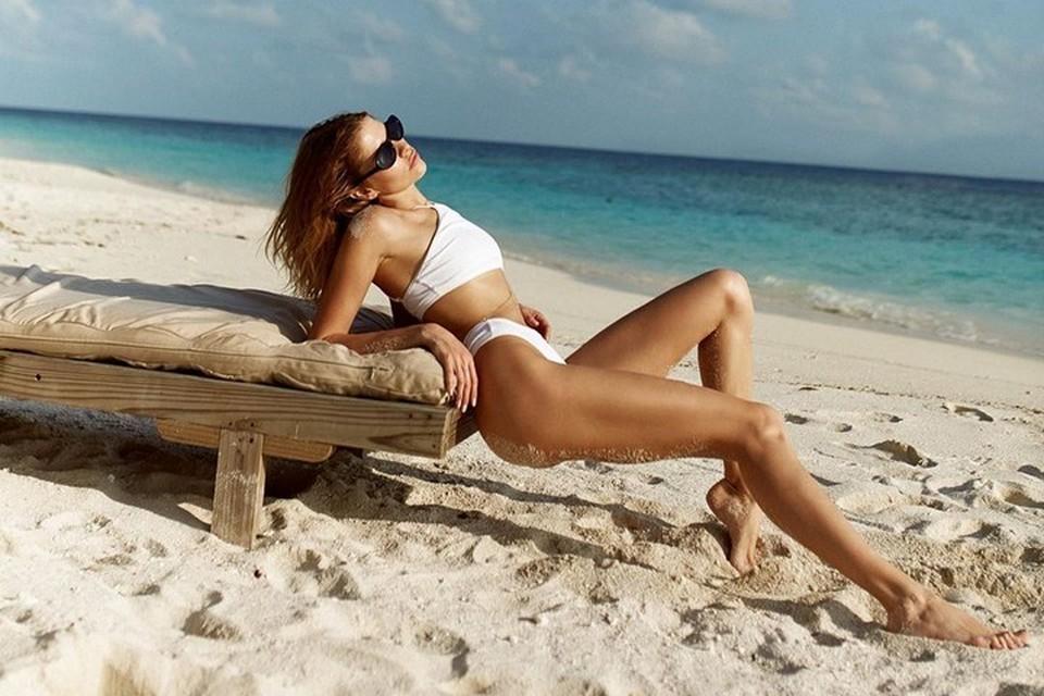 Снимаемся, как звезды: самые популярные позы для пляжных фотографий. Фото: личный Инстаграм Елены Перминовой