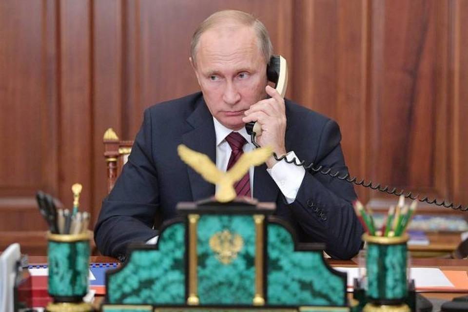 Президент России Владимир Путин провел первый телефонный разговор с новым украинским коллегой Владимиром Зеленским. Фото: Алексей Дружинин/пресс-служба президента РФ/ТАСС
