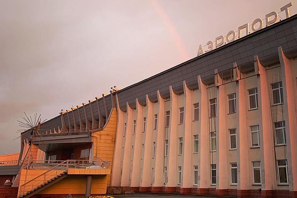Здание терминала аэропорта в Нижневартовске. Фото: Антон Коробков-Землянский