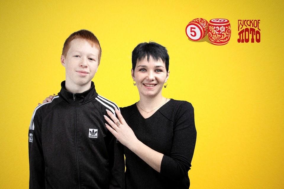 Елена Алайцева с сыном Фото: Столото