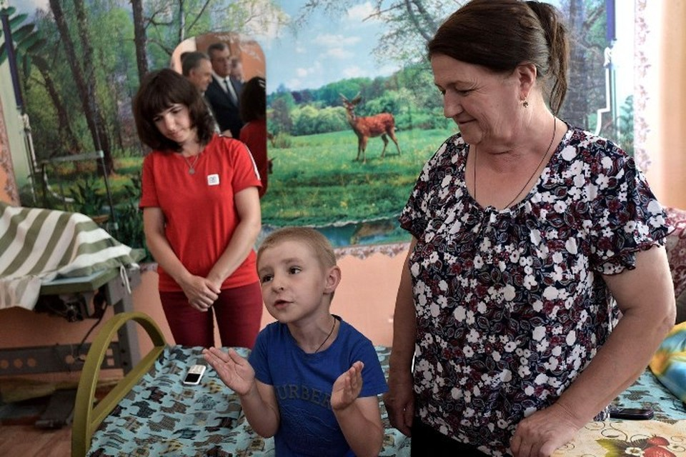 Мама 6-летнего мальчика, который поговорил с Путиным в Тулуне: «Матвей никого не боится и не стесняется. Фото Алексей Никольский/пресс-служба президента РФ/ТАСС